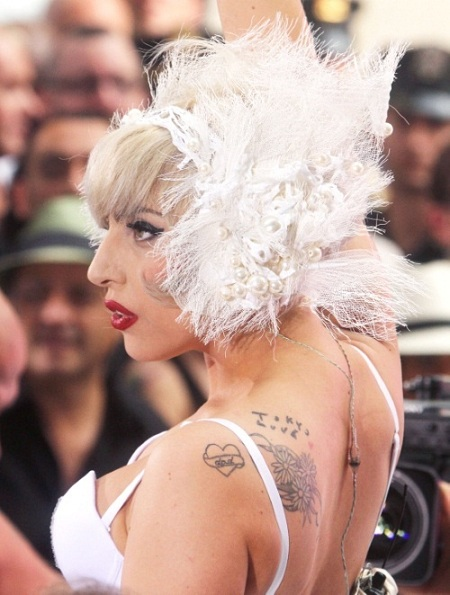 lady-gaga-performs-nbc-today-show